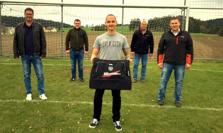 Read more about the article Neue Sporttaschen für die Spielgemeinschaft